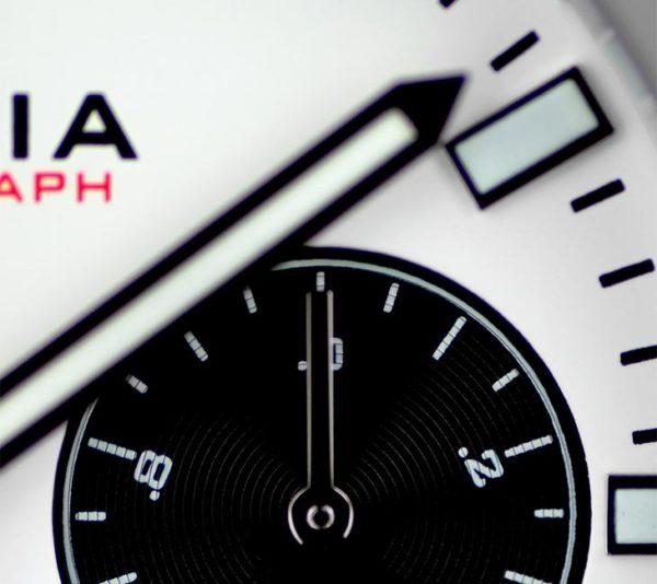 V5.1 Chronograph Details 2