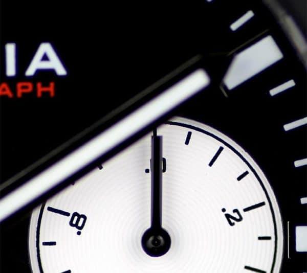 V5.4 Chronograph Details 2