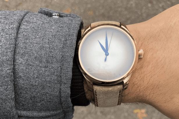 Unique Piece von Moser für den Watchclub Germany mit Sicht auf das Zifferblatt