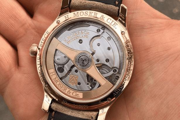 Unique Piece von Moser für den Watchclub Germany mit Sicht auf das Werk