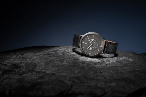 Zeitgeist Automatik Limited Edition Meteorite von Lilienthal Berlin mit schwarzem Lederband